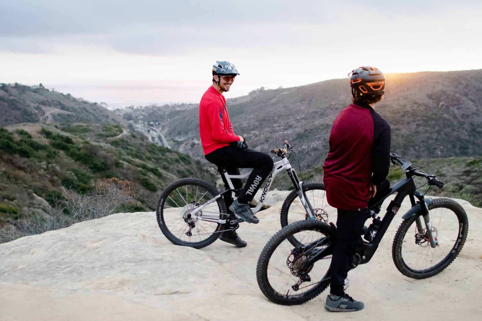 Dylan Crane and Mikey Haederer showing off the features of the SR Suntour Durolux EQ