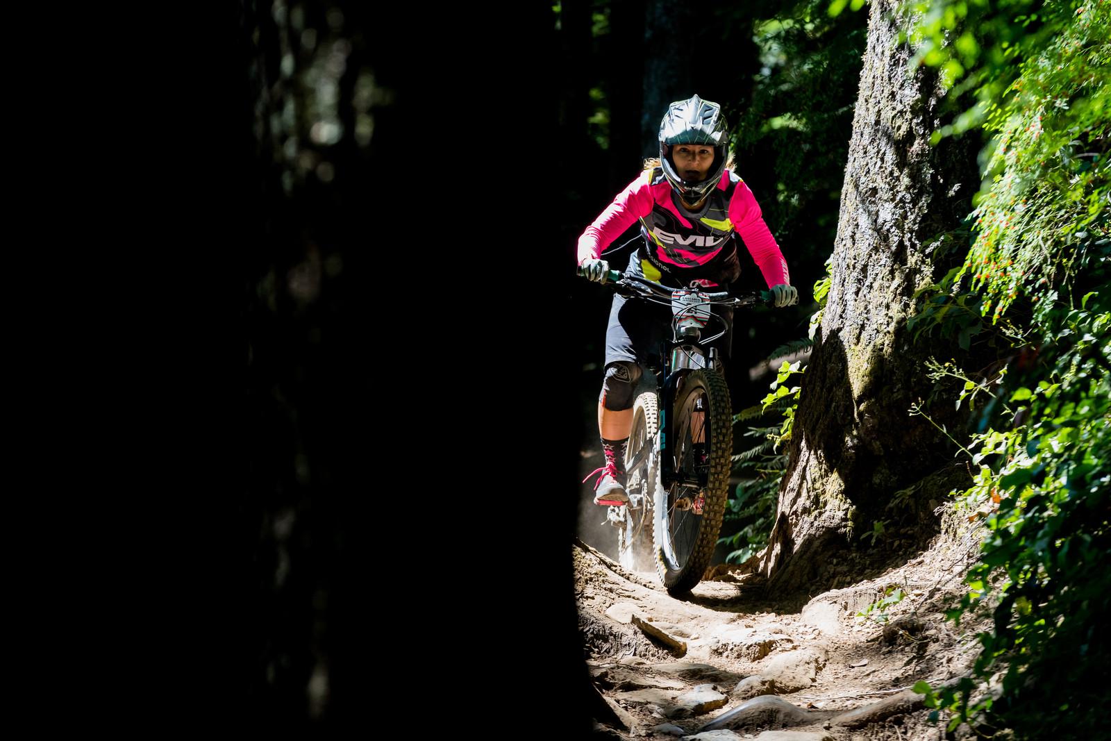 Linnea Rooke on her way to 2nd in Pro women