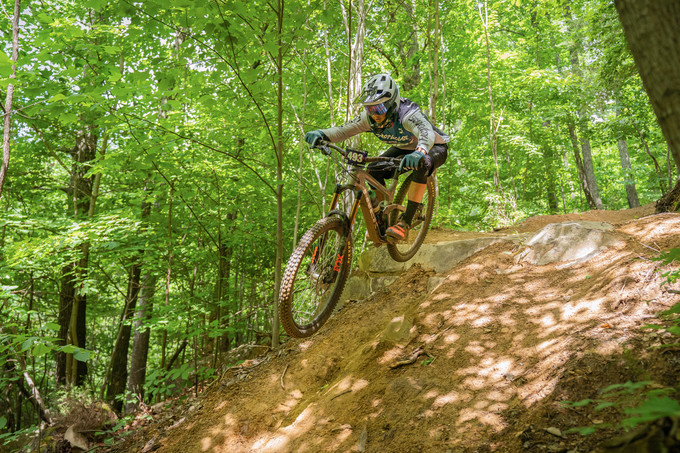 Shane Leslie was on the gas all weekend and finished 2nd behind local trail builder and cave man Damon Sedivy.