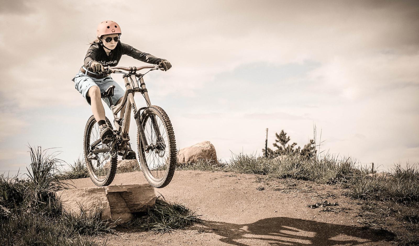 Dropping In - rhiannon - Mountain Biking Pictures - Vital MTB
