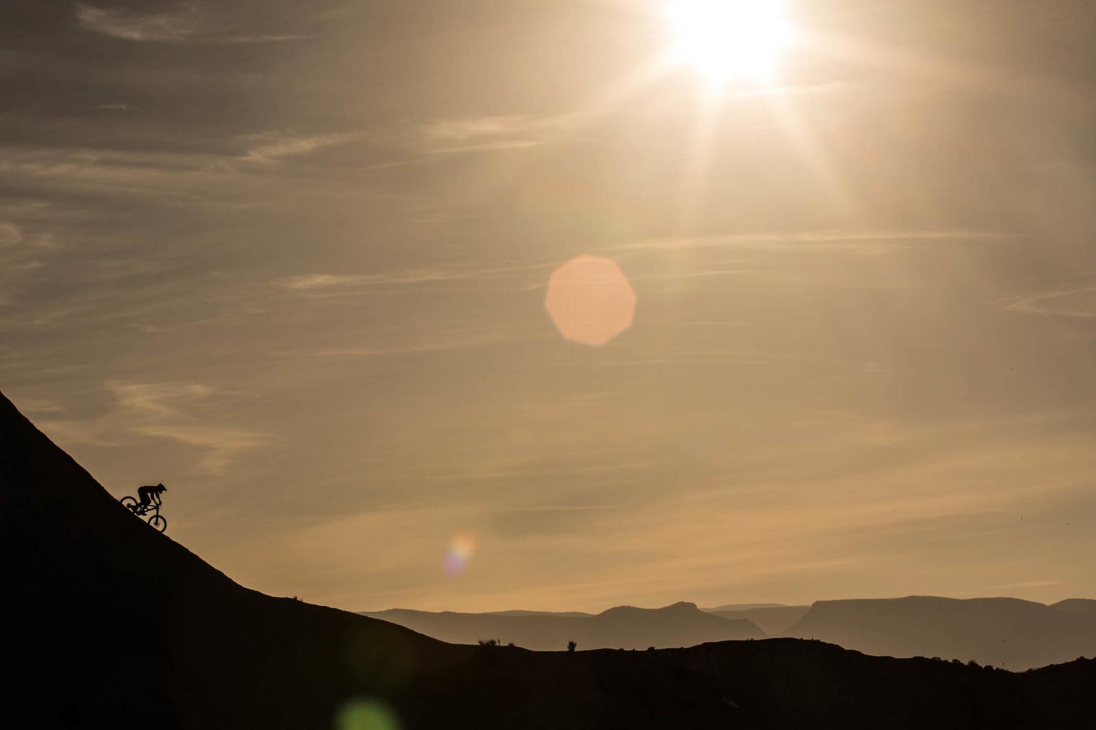 desert silhouette - Hannes Klausner - Mountain Biking Pictures - Vital MTB