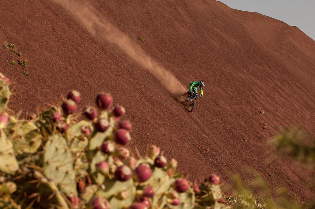 Gravel Surfing - Hannes Klausner - Mountain Biking Pictures - Vital MTB