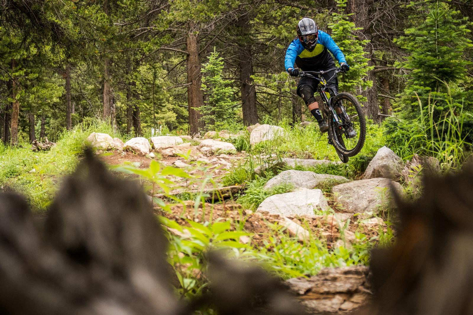Testing the 2015 Devinci Spartan Carbon SX - Testing the 2015 Devinci Spartan Carbon SX - Mountain Biking Pictures - Vital MTB