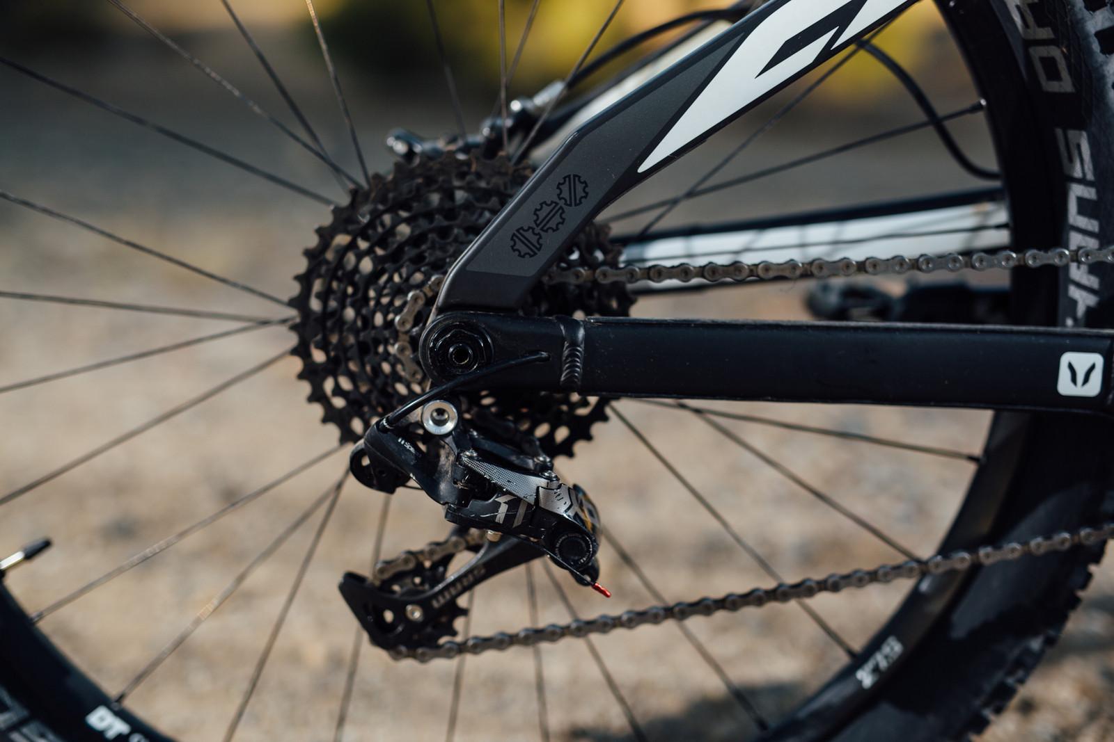 Devinci Troy Carbon RR - 2016 Vital MTB Test Sessions - Devinci Troy Carbon RR - 2016 Vital MTB Test Sessions - Mountain Biking Pictures - Vital MTB