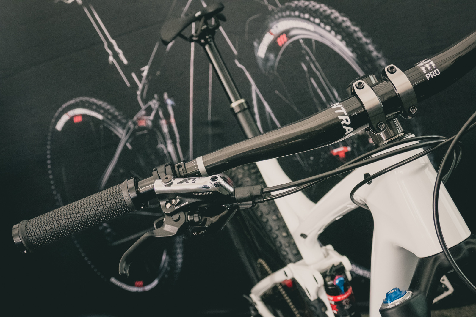 Bontrager Line and Line Pro Bars and Stems - 2016 Sea Otter Classic Pit Bits - Mountain Biking Pictures - Vital MTB