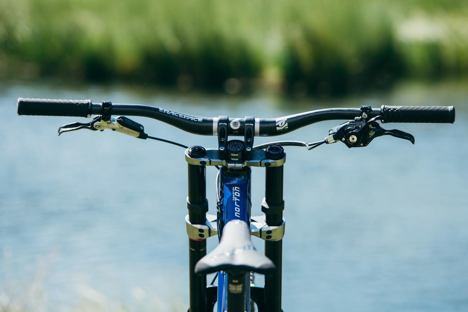 Check Out That Cockpit - WORLD CHAMPS BIKES - Unior/Devinci Factory Racing - Mountain Biking Pictures - Vital MTB