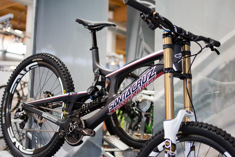 Fresh paint on the 2013 santa cruz v10 carbon 2013 downhill bikes fresh paint on the 2013 santa cruz v10 carbon altavistaventures Choice Image