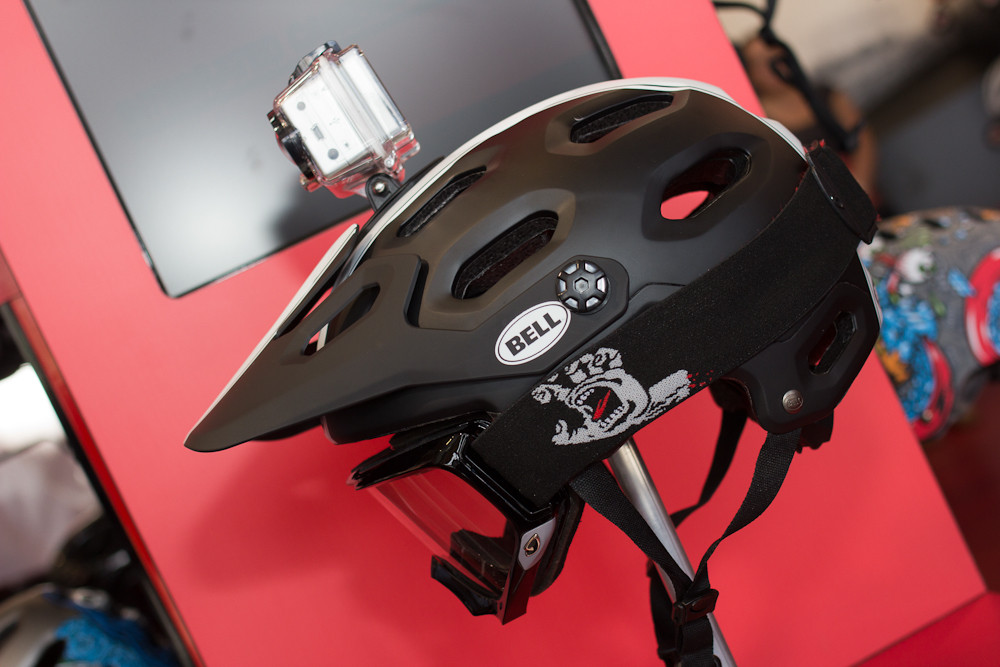 2013 Bell Super Helmet - 2013 Apparel and Protective Wear at Eurobike 2012 - Mountain Biking Pictures - Vital MTB
