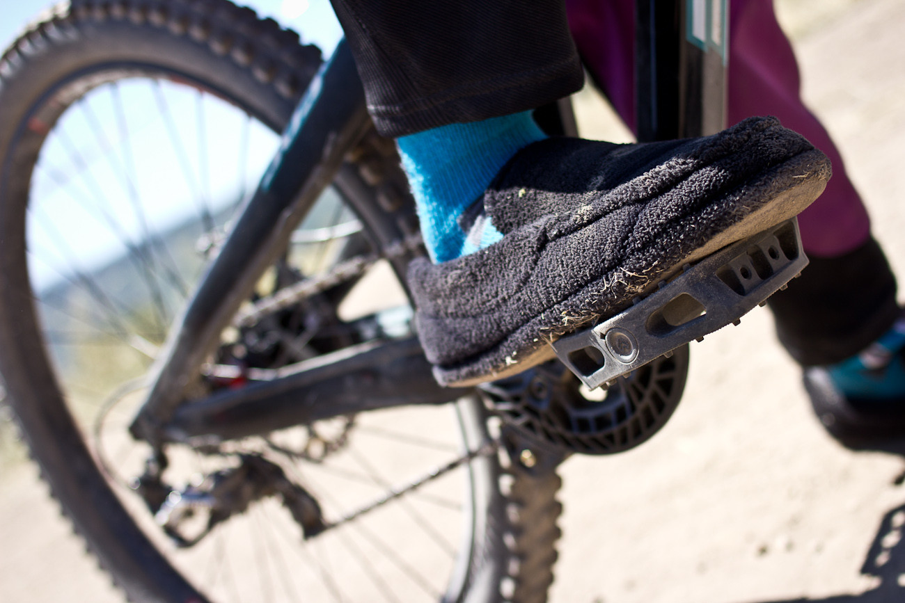 Eliot Jackson's Footwear - 2013 Sea Otter Pro Downhill Bikes - Mountain Biking Pictures - Vital MTB
