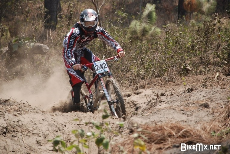 Graeme Pitts of Team Geronimo - bturman - Mountain Biking Pictures - Vital MTB