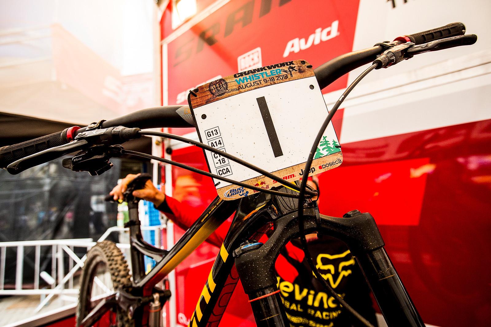 WINNING BIKE: Steve Smith's All-New 650B Devinci Troy - Winning Bike: Steve Smith's All-New 650B Devinci Troy - Mountain Biking Pictures - Vital MTB