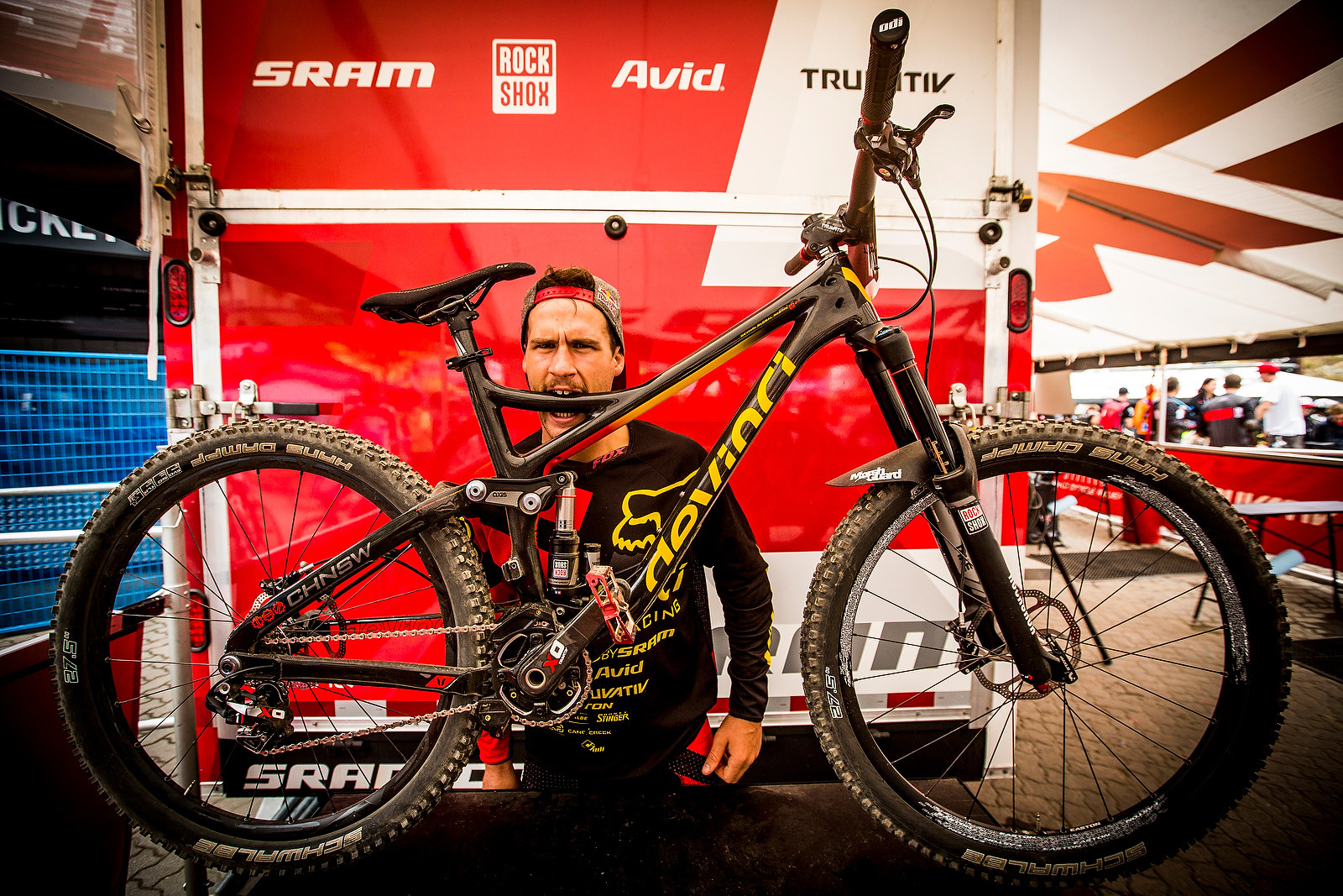 WINNING BIKE: Steve Smith's All-New 650B Devinci Troy - Winning Bike: Steve Smith's All-New 650B Devinci Troy - Mountain Biking Pictures - Vital MTB
