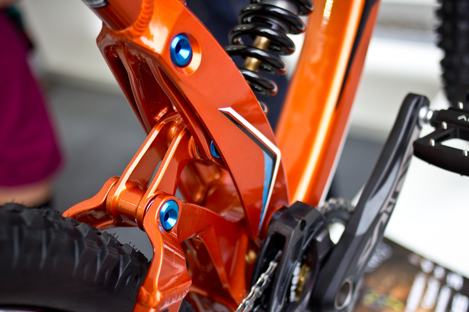 Redesigned 2014 Transition TR450 Prototype DH Bike - 2014 Downhill Bikes at Eurobike 2013 - Mountain Biking Pictures - Vital MTB