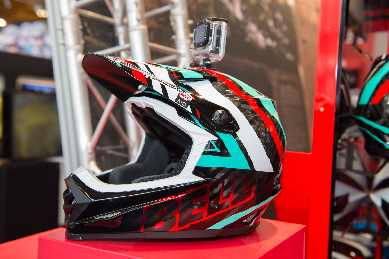Fresh Color for the Bell Full-9 Helmet - 2014 Mountain Bike Apparel & Protection at Eurobike 2013 - Mountain Biking Pictures - Vital MTB