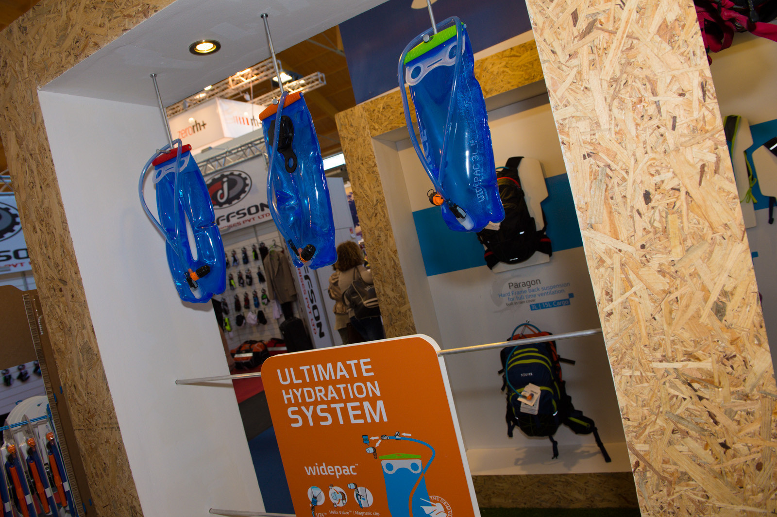 Source Outdoor Bladders - 2014 Mountain Bike Apparel & Protection at Eurobike 2013 - Mountain Biking Pictures - Vital MTB