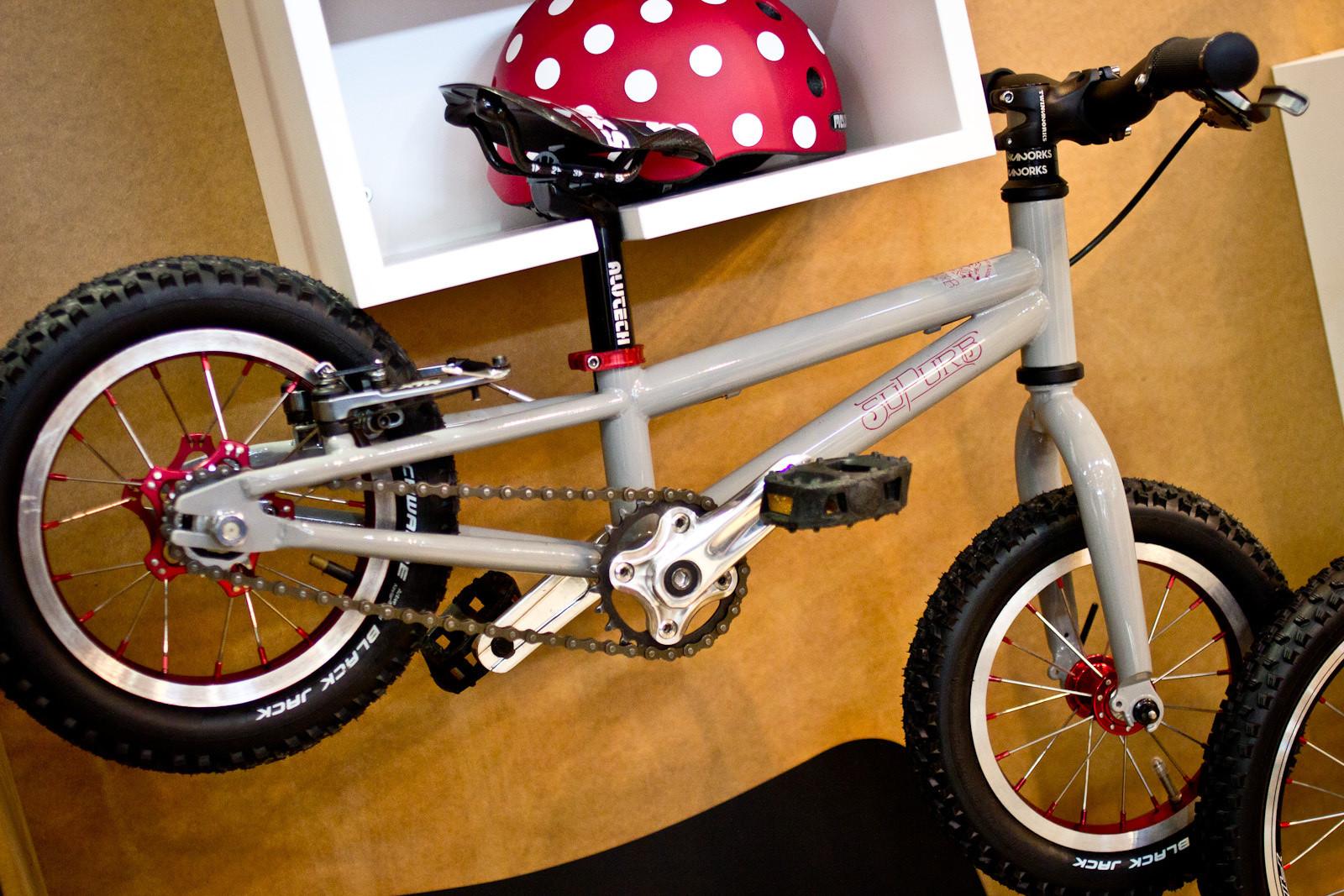 12 Rad Kid's Bikes from Eurobike: Supurb BO12 - 2014 Kids Bikes at Eurobike 2013 - Mountain Biking Pictures - Vital MTB