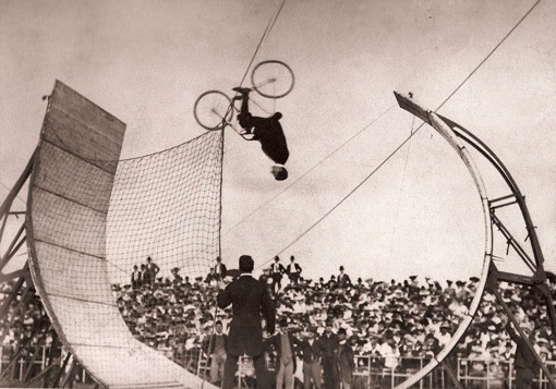 #ThrowbackThursday - World Record 1904 Upside Down Loop Jump - bturman - Mountain Biking Pictures - Vital MTB