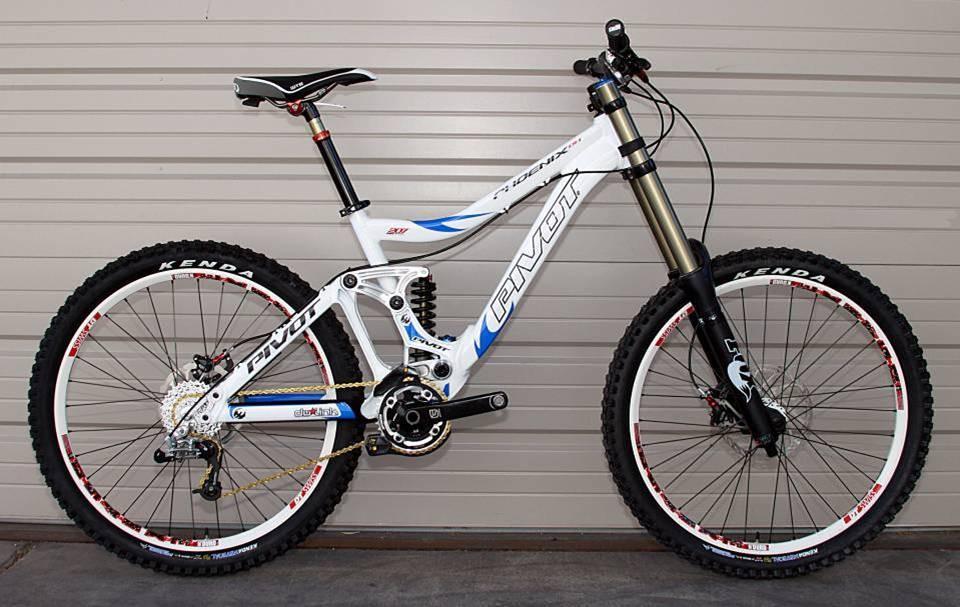 Pivot Phoenix DH - Geo and Handling - 2011 Pivot Phoenix DH Bike - Mountain Biking Pictures - Vital MTB