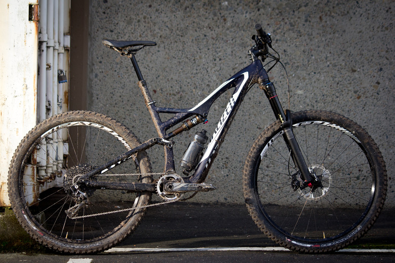 Up Close: 16 Photos of the 2015 650B Specialized Stumpjumper FSR Expert Carbon EVO