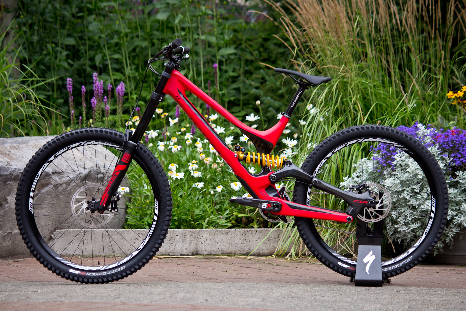 Up Close: 19 Photos of the 2015 Specialized S-Works Demo Carbon - Up Close: 19 Photos of the 2015 Specialized S-Works Demo Carbon - Mountain Biking Pictures - Vital MTB