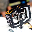 Black CrankBrothers Mallet DH Pedals