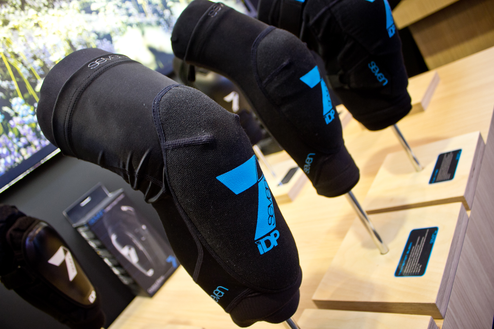 Drag Racing Helmets >> Seven iDP Transition Knee and Elbow Pads - 2015 Mountain Bike Apparel & Protection at Eurobike ...