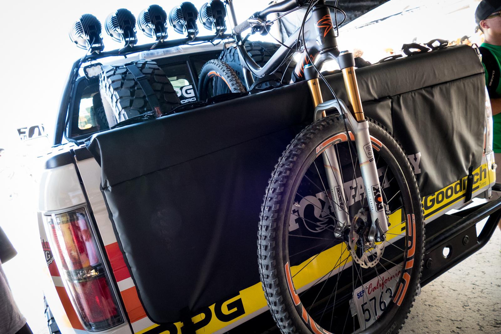 Drag Racing Helmets >> FOX Tailgate Pad - 2015 Sea Otter Classic Pit Bits - Mountain Biking Pictures - Vital MTB