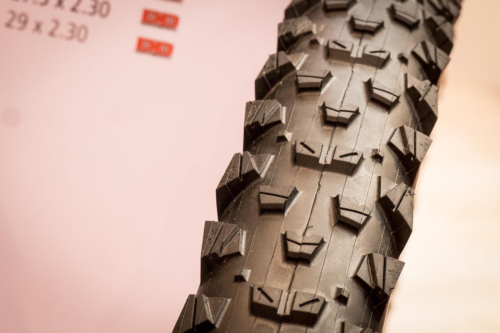 New Maxxis Tomahawk and Crossmark II Tires - 2016 Mountain Bike Components at Eurobike - Mountain Biking Pictures - Vital MTB