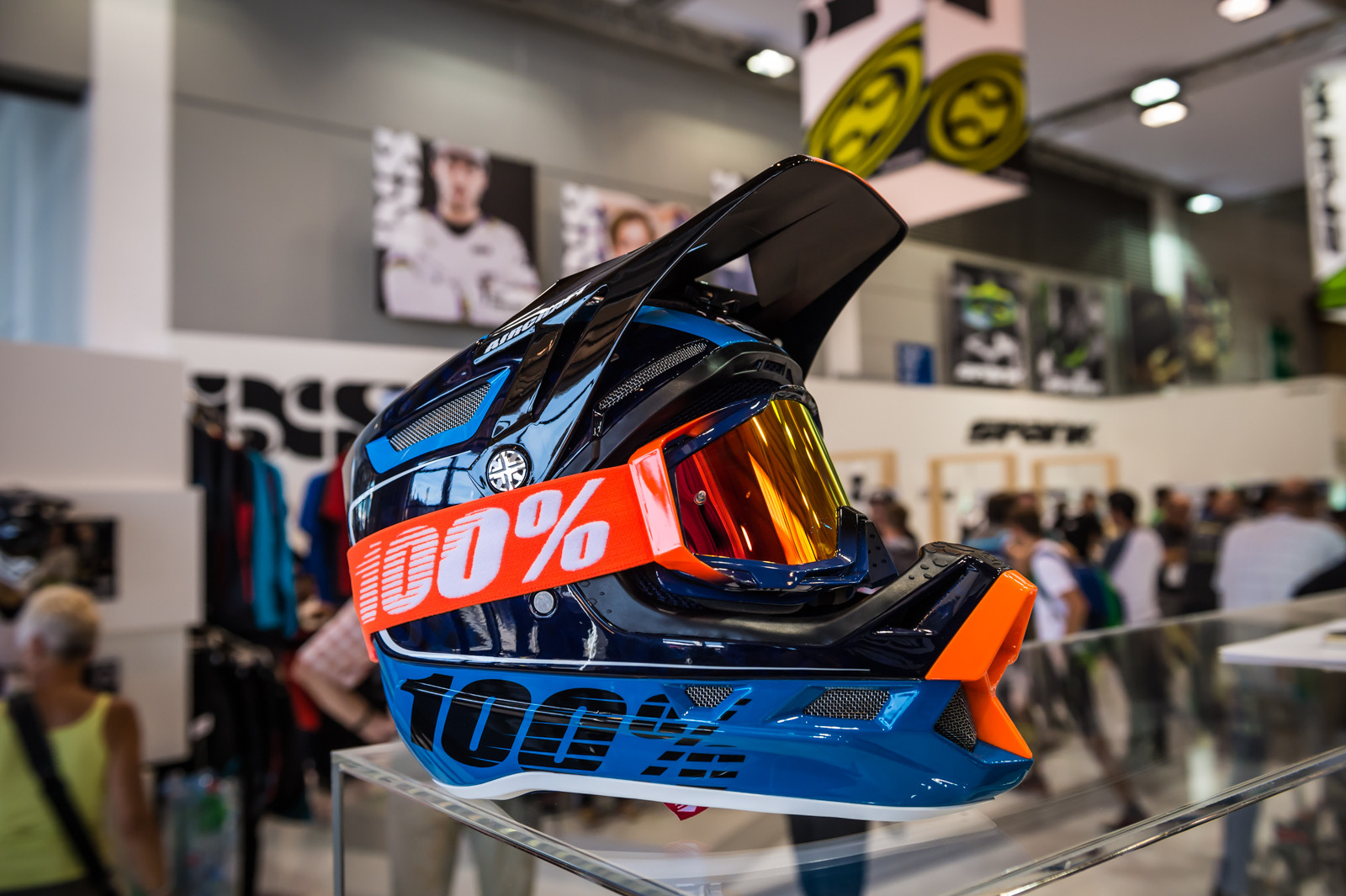 100% Aircraft Fullface Helmet - 2016 Mountain Bike Apparel & Protection at Eurobike - Mountain Biking Pictures - Vital MTB