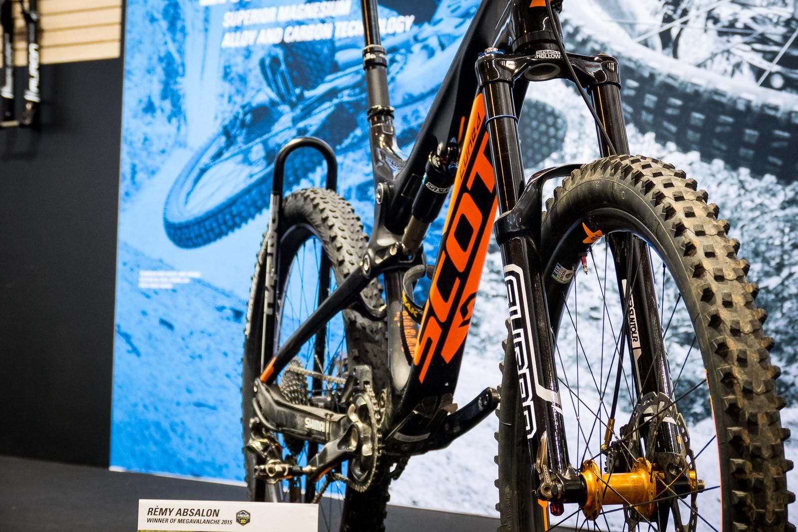 Updated 2016 SR Suntour Durolux - 2016 Mountain Bike Components at Eurobike - Mountain Biking Pictures - Vital MTB