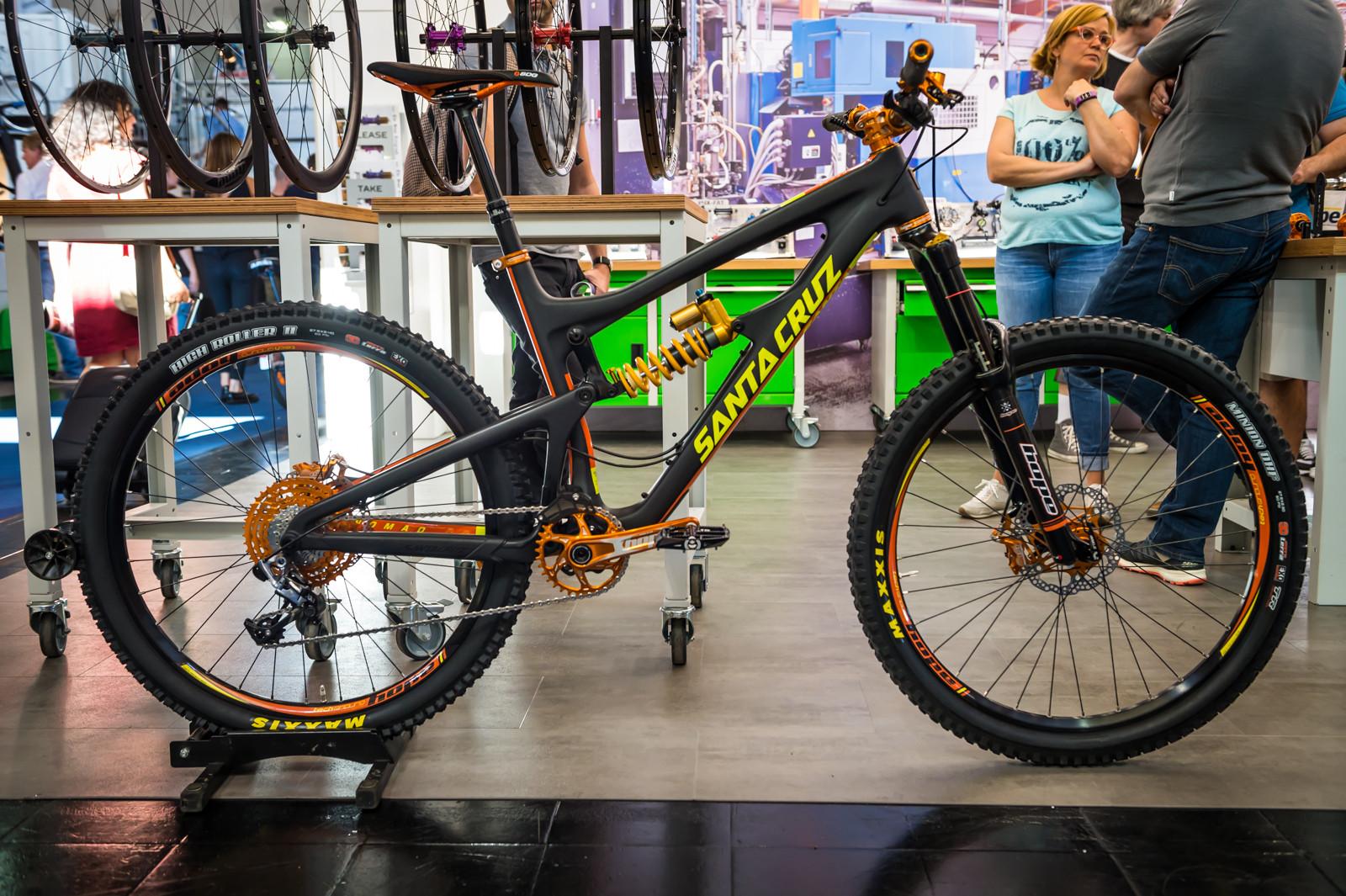 Hope Goes Orange - 2016 Mountain Bike Components at Eurobike - Mountain Biking Pictures - Vital MTB