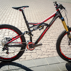First Look: 2013 Specialized Enduro Expert EVO - Now Bigger And Badder