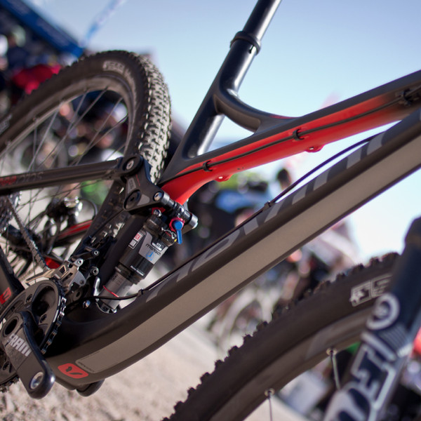 First Look: Devinci's 2013 Atlas, Dixon, and Wilson Carbon Fiber Bikes