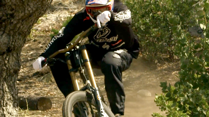 Must Watch: Aaron Gwin HAULING on His Specialized Demo 8 Carbon