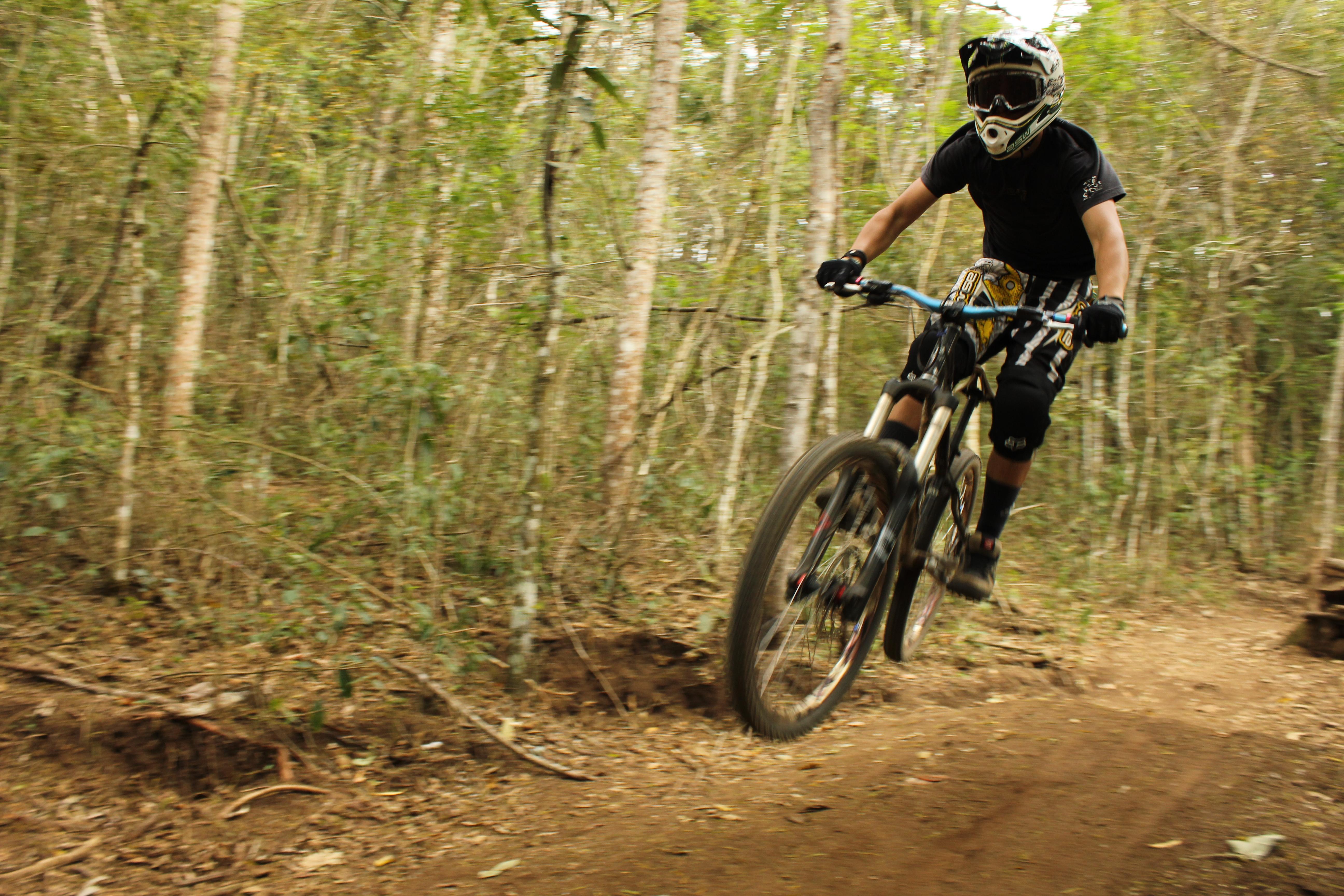 Hardtail Downhill 1 Maurilio Souza Mountain Biking