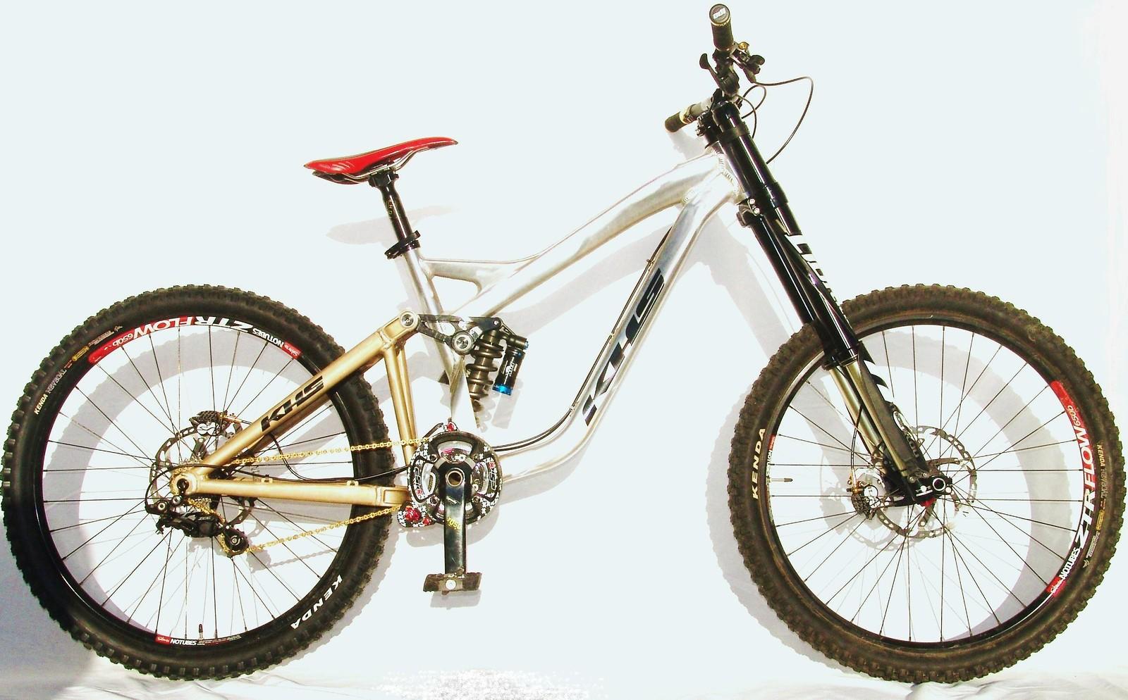 Spy Shot: KHS DH650B Prototype - KHSFactoryRacing - Mountain Biking Pictures - Vital MTB