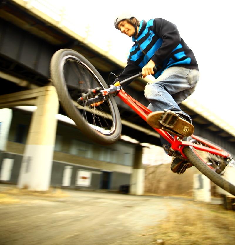 sasha haveing fun - mocean365 - Mountain Biking Pictures - Vital MTB