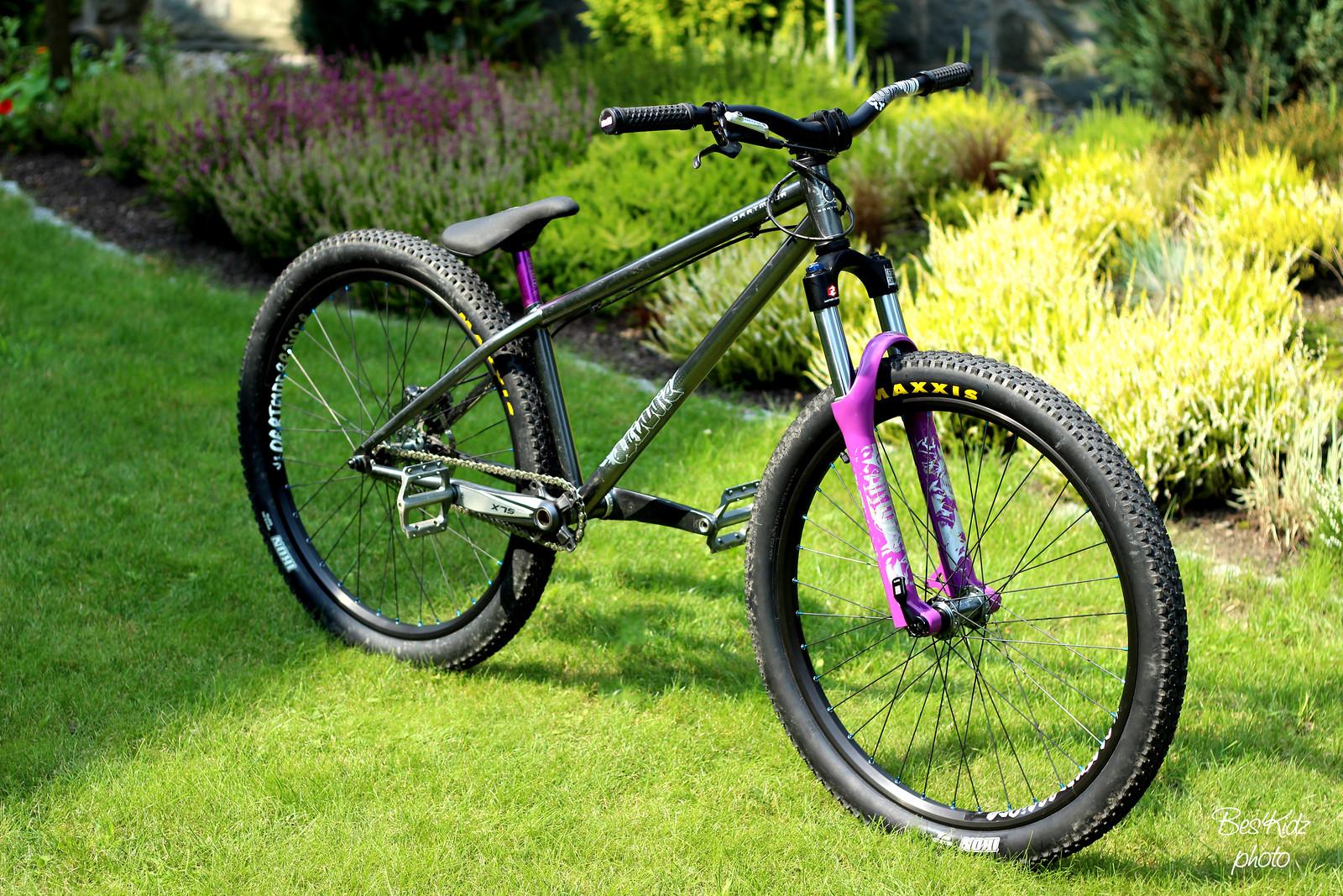 Dartmoor Quinnie x Rock Shox Argyle 409