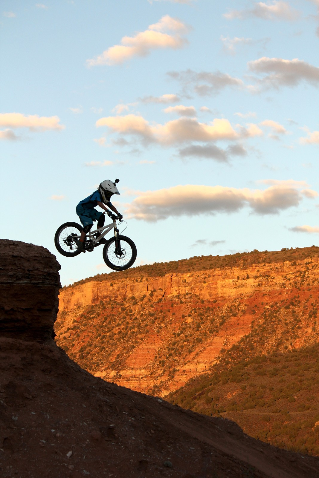 Where the trail starts - Ron_Goldstone - Mountain Biking Pictures - Vital MTB