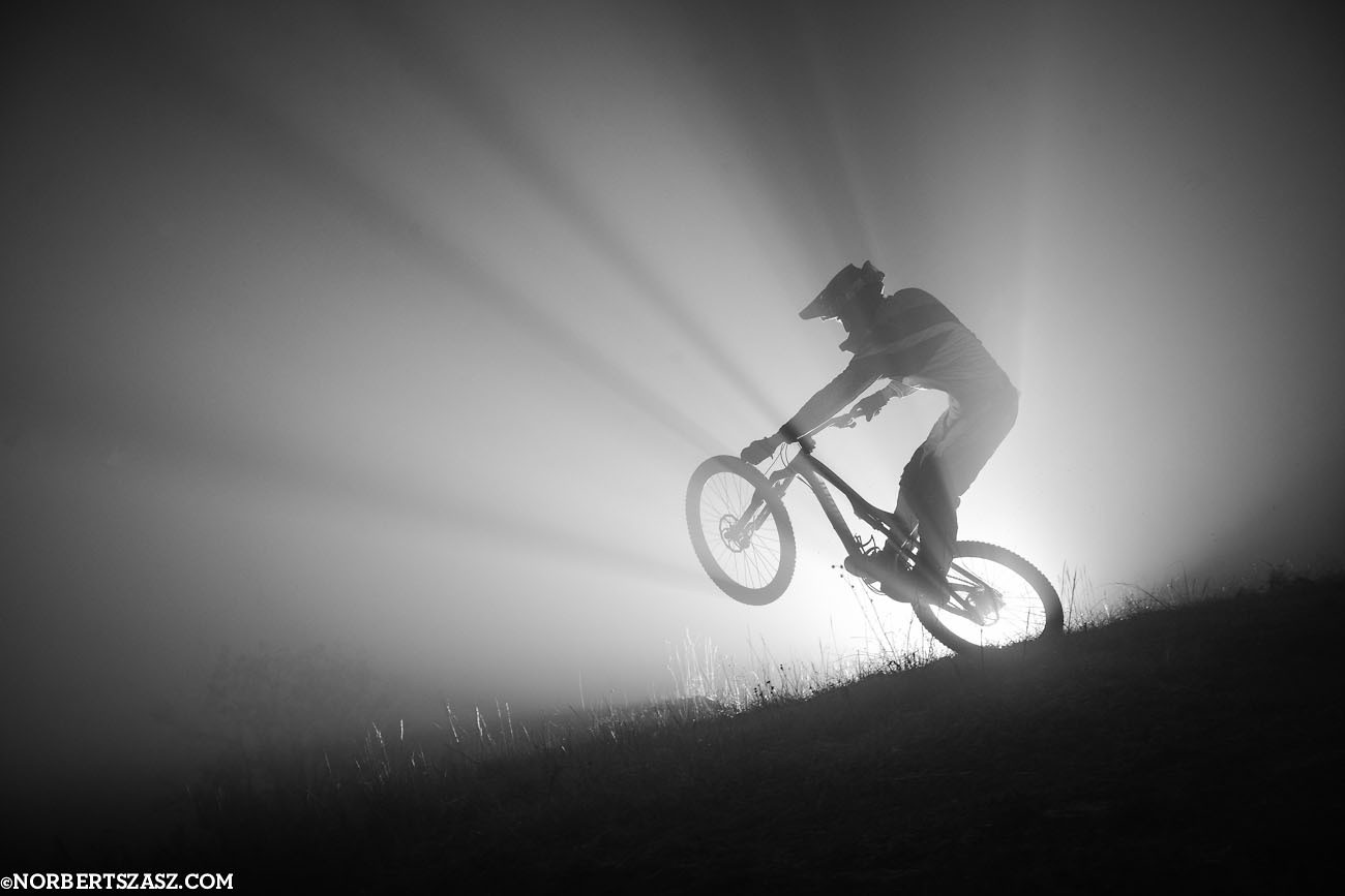 Foggy session - Mike Kantor - NorbertSzasz - Mountain Biking Pictures - Vital MTB