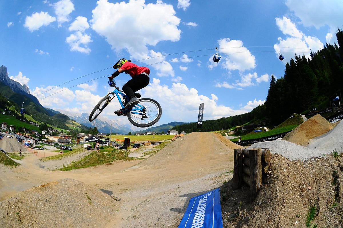Tom testing the new gap - NorbertSzasz - Mountain Biking Pictures - Vital MTB