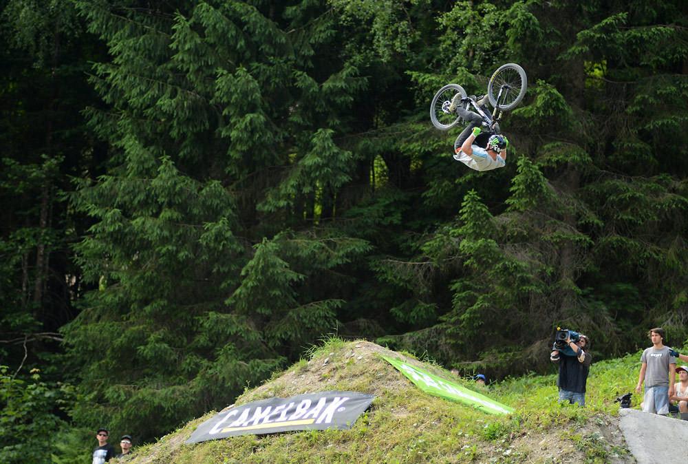 Linus Sjöholm - frontflip - NorbertSzasz - Mountain Biking Pictures - Vital MTB