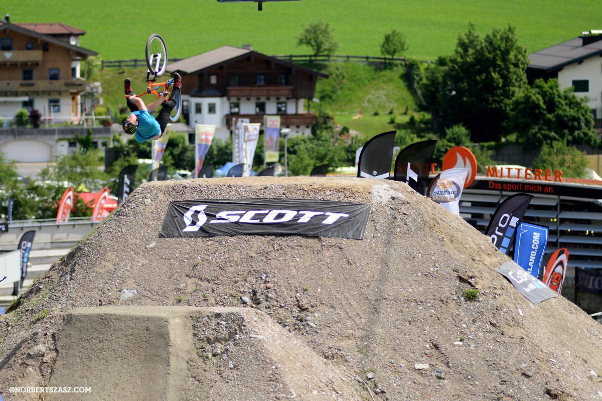 Sam Pilgrim Wins 2013 26Trix - NorbertSzasz - Mountain Biking Pictures - Vital MTB