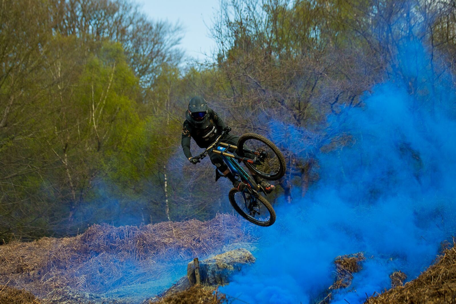 Blue Smoke - Fergus_Ryan - Mountain Biking Pictures - Vital MTB