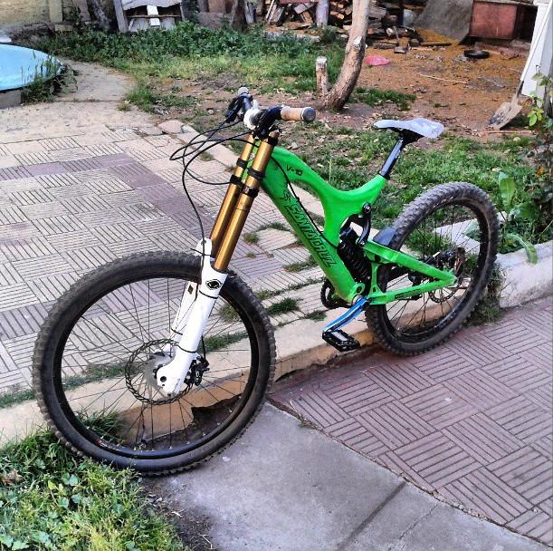 Santa Cruz V10 2011