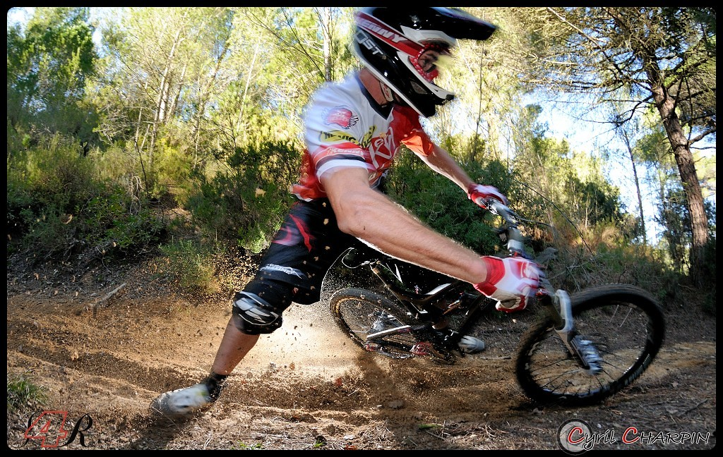 DSC 4948r-border - Cyril Charpin - Mountain Biking Pictures - Vital MTB