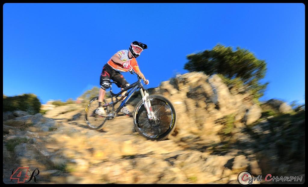 DSC 5130r-border - Cyril Charpin - Mountain Biking Pictures - Vital MTB