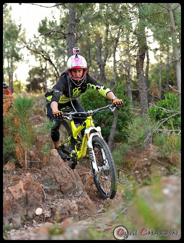 DSC 2910r-border - Cyril Charpin - Mountain Biking Pictures - Vital MTB