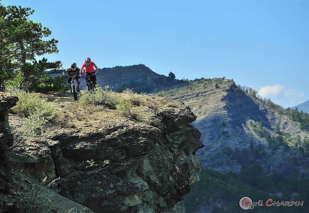 Cliff riding - Cyril Charpin - Mountain Biking Pictures - Vital MTB