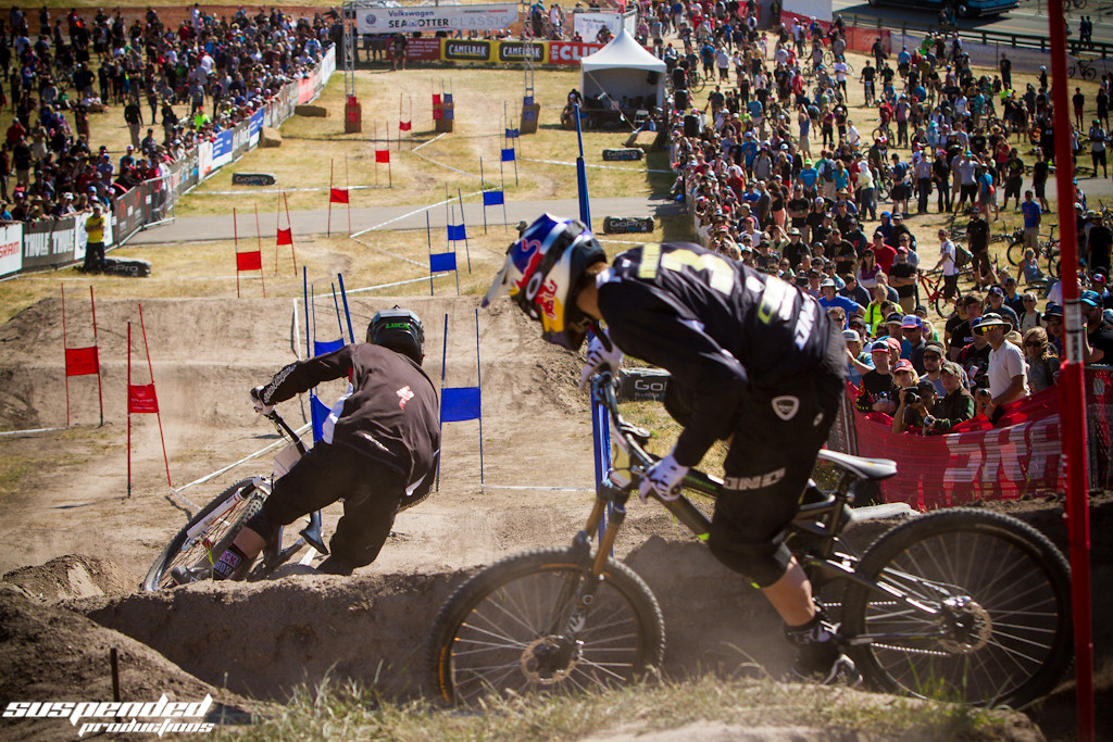 Luca Shaw in Front of Gee Atherton in Sea Otter Dual Slalom - suspended-productions - Mountain Biking Pictures - Vital MTB